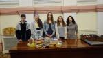 Lietuvos vaikų ir jaunimo centro atstovai įstaigos bibliotekai padovanojo knygas