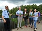 """Marijampolės pataisos namų darbuotojai dalyvavo akcijoje """"Žydintis tiltas"""