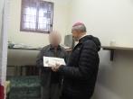 Kalėdaičiai darbuotojams ir kalintiesiems – iš vyskupo rankų